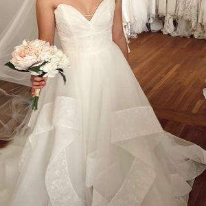 Hayley Paige Quinn Wedding Dress